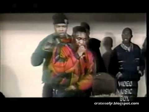 Kool G Rap & Biz Freestyling On Stage In 1990
