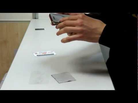 Как правильно наклеить защитную пленку на экран телефона
