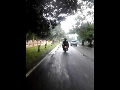 Touring Kehujanan Seru Banget