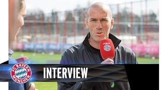 Zinedine Zidane zu Gast beim FC Bayern