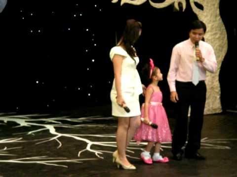 bé Bảo An hát bài Cho Con .flv