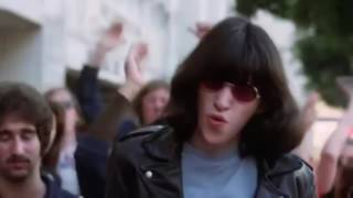 Ramones - I Just Want To Have Something To Do (Clipe Oficial)