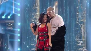 Becky G ft Bad Bunny – Mayores HD Latin American Music Awards 2017 (Latin AMAs) at the Dolby Theatre