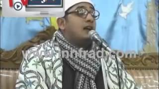 مجنون شيبه لا يموت.. مُعجب لقارئ قرآن:
