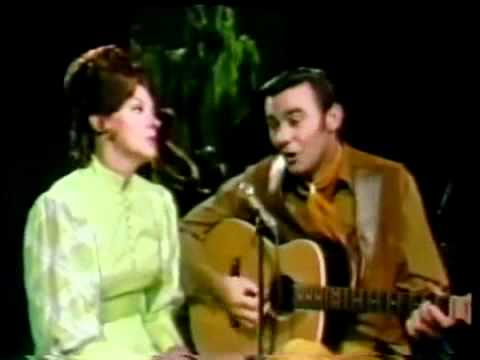 The Old Lamplighter.- Jim Ed & Maxine Brown