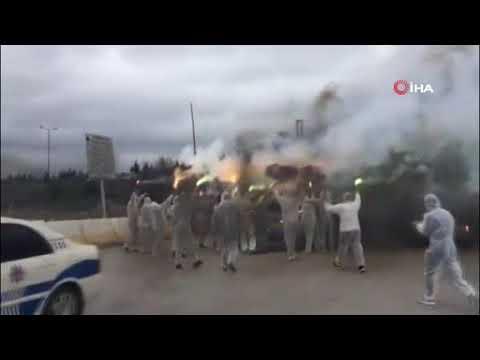 Kocaelisporlu taraftarlarından takımlarından İLGİNÇ uğurlama!   Ajansspor