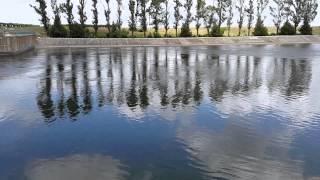 Магистральный канал отличное место для рыбалки(Магистральный канал отличное место для рыбалки http://youtu.be/HBewZT-nWyE Своё начало Каховский магистральный канал..., 2014-06-27T12:39:01.000Z)