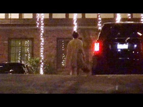 EXCLUSIVE - Kendall Jenner Visits Music Mogul Irving Azoff At Night