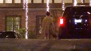exclusive kendall jenner visits music mogul irving azoff at night