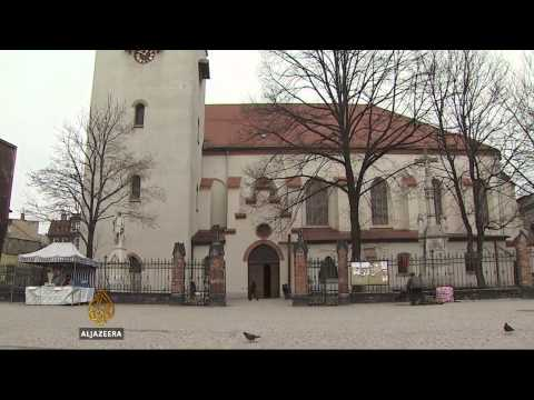 Polish cities shrink as struggling residents emigrate