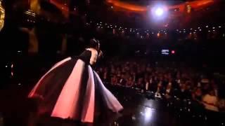 Regina Orozco Cantando en  los Arieles 2015