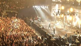 a-ha Take on me live Munich Funny Girl freaks out ^^