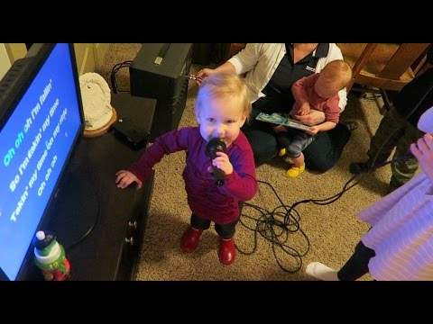 EMMY DROPS THE MIC! 😎 || KIDS KARAOKE