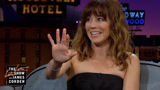 Linda Cardellini's Family Crushes It on Thanksgiving