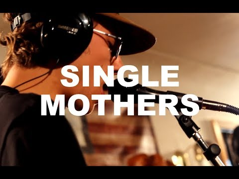 "Single Mothers - ""Long Distance"" Live at Little Elephant (2/3)"