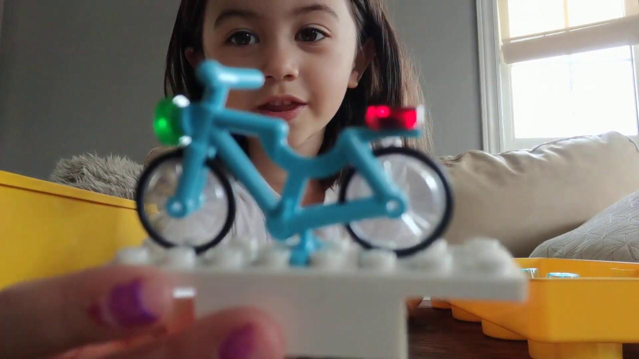 Zoe E. Toys - Lego 1 - YouTube