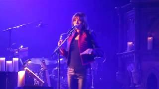 Carla Bruni sings Please Don't Kiss Me