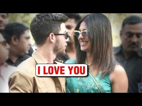 Nick Jonas PROPOSES Priyanka Chopra In Front Of MEDIA And Public At Jodhpur Airport