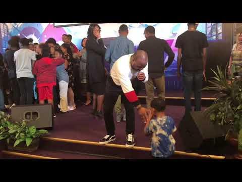 Crazy Praise Break at The Harvest Tabernacle Church!!! 4/15/18