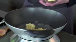 Рецепт яичной лапши с уткой и овощами в воке BORK G600 от Дениса Никифорова