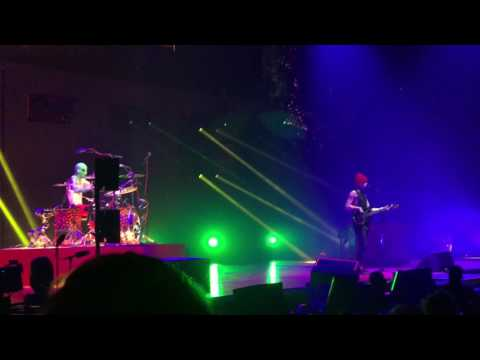 twenty one pilots - Stressed Out (Barclays Center/Brooklyn NY) (1/20/17)