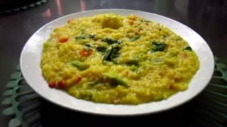 VEGETABLE KHICHDI in Pressure cooker in HINDI