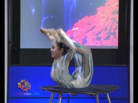 Uốn dẻo - diễn viên xiếc Thu Hiệp - Vui Sống Mỗi Ngày [VTV3 - 06.06.2012]
