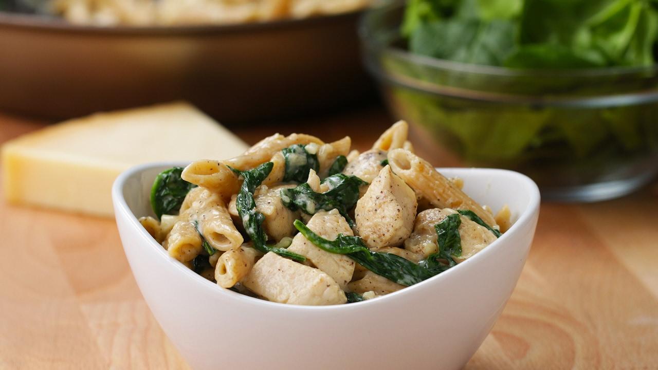 Healthier Chicken Alfredo Pasta - YouTube
