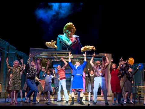 09.Merry Christmas Maggie Tatcher - Billy Elliot the Musical