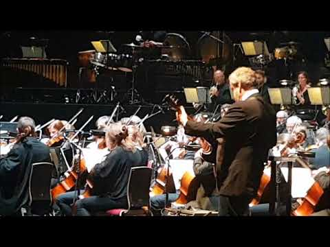 David Arnold playing the Bond Theme - Casino Royale in Concert at the Albert Hall 30.09.17