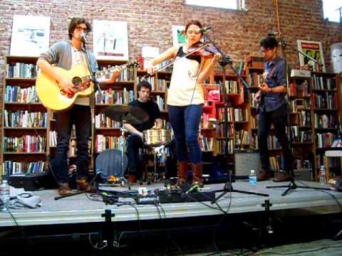 honeyhoney at Fingerprints Music Store in Long Beach, CA performing