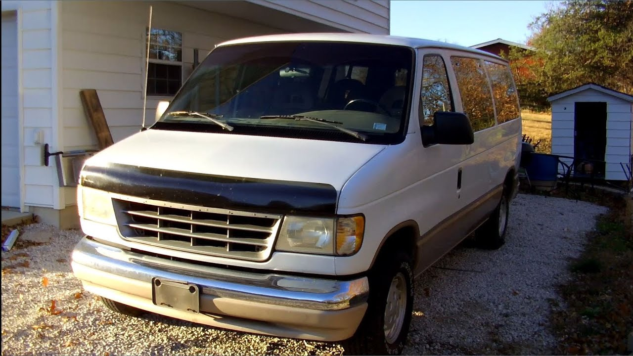 1992 Ford Club Wagon Chateau | Full Tour & Start Up