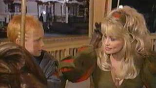 Watch Dolly Parton Santa Claus Is Comin To Town video