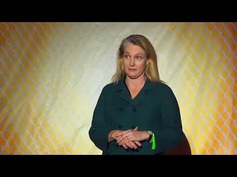 The institutions that change you | Piper Kerman | TEDxMuncyStatePrison