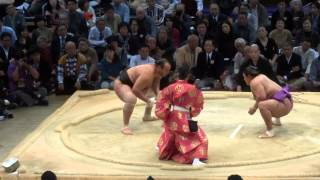 One of the Longer, More Intense Sumo Matches
