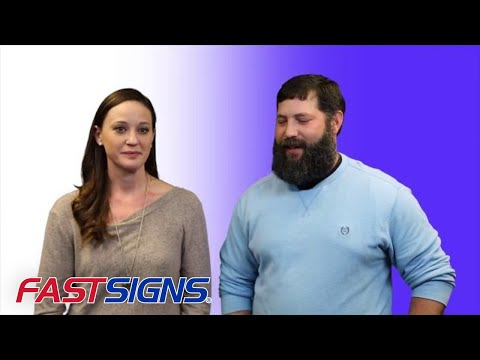 Husband and Wife Team without Sign Experience Open a New FASTSIGNS Center