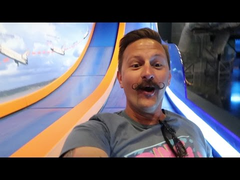 Kennedy Space Center Visitor Complex 2017 | Robotic Astronauts, Space Ice Cream & Rockets!