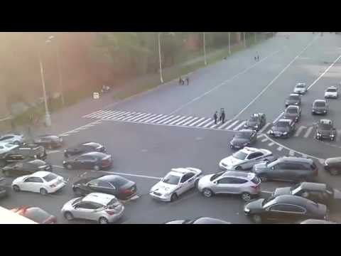 WATCH how russian secret service blocked the highway for Putin motorcade