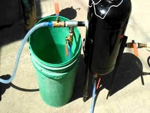 Solar aided portable vacuum desalination system