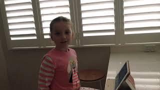Ivy plays 'Escape Spongebob' on ROBLOX