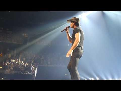 Live Like You Were Dying - Tim McGraw - Orlando Soul2Soul 10-21-2017