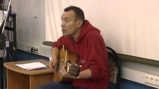 Дима Ефименко исполняет культовые песни