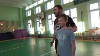 Урок физкультуры со звездой Эльдаром Кенкерли