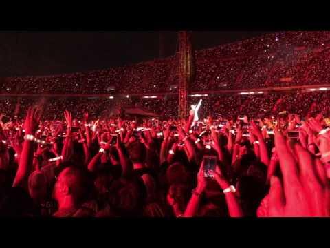Coldplay -  Fix You (Live Bangkok 2017)