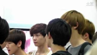 [Fancam] 120806 EXO at Tokyo's Haneda Airport