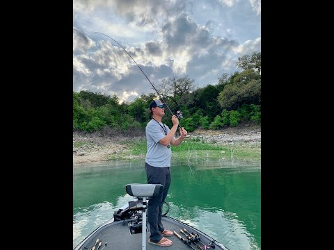 Floating Worm Rig- Lake Travis Fishing Guide
