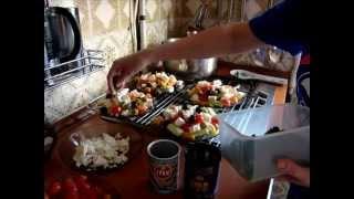 Греческий салат классический с фетой.mp4