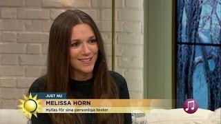 """Melissa Horn: """"Jag tycker att det är kul att skriva de deppigaste låtarna"""" - Nyhetsmorgon (TV4)"""