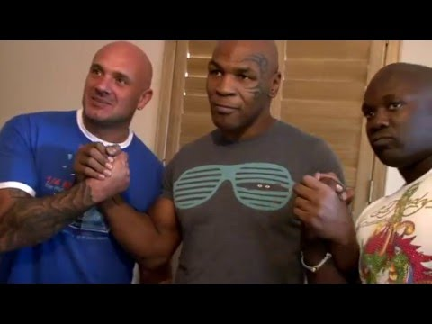 Mike Tyson meets local fighters on UK tour!