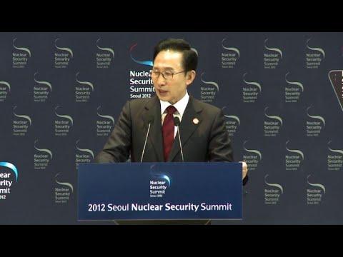 S.Korean prosecutors summon ex-president Lee in bribery probe